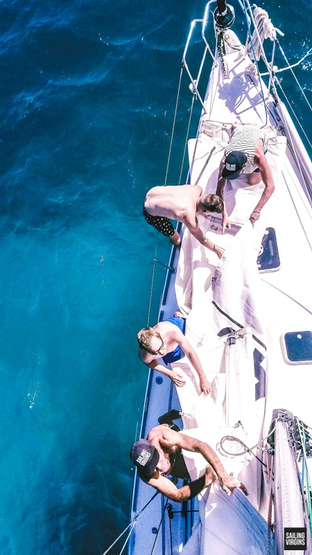 island-adventure-removing the main sail libertas