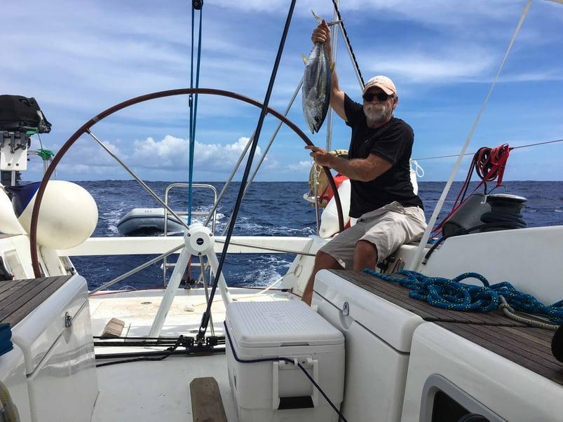 fishing-sailing-yellowfin-tuna